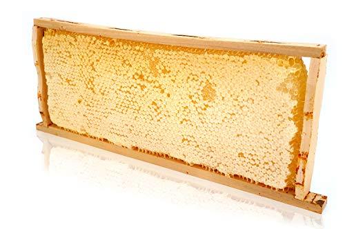 Wabenhonig, Wabenstück mit Honig in einem Holzrahmen ca 2,2kg, Imkerqualität